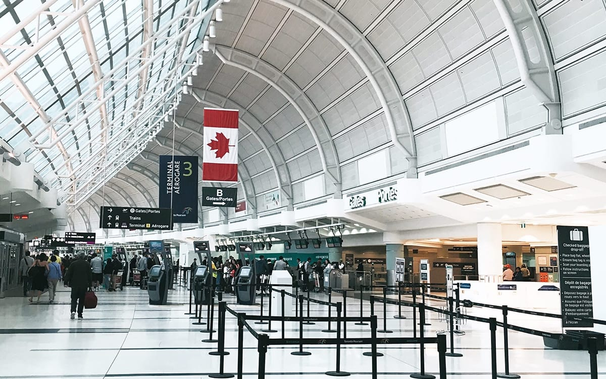 Avoid Airport Currency Exchange & Expensive Rates when Travelling